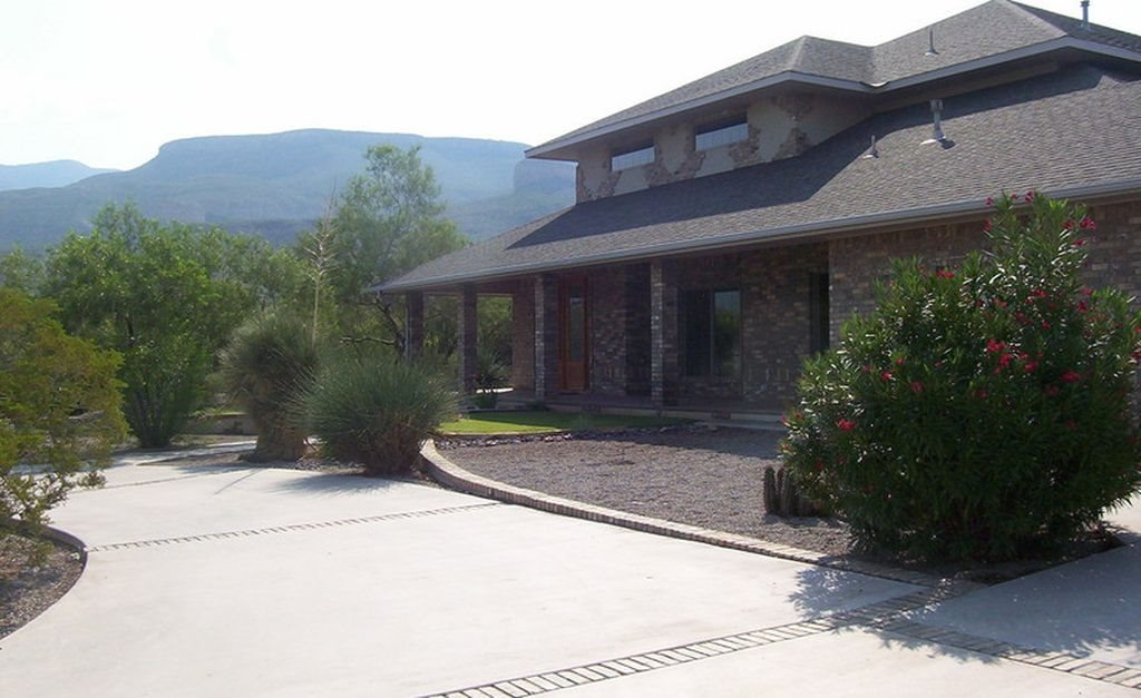 Home 1207 S Scenic DR For Sale