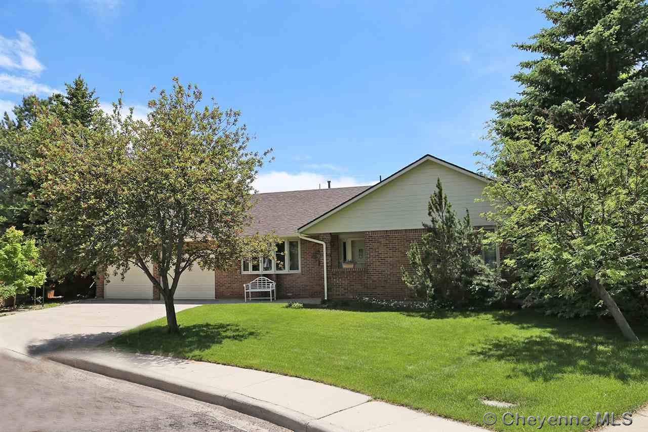Single Family Home for Sale at 757 Earle Ct Cheyenne, Wyoming United States