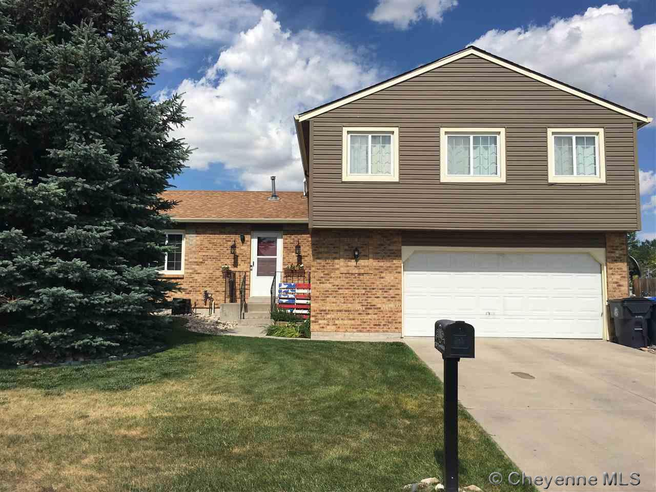 Single Family Home for Sale at 5549 Chapel Hill Dr Cheyenne, Wyoming United States