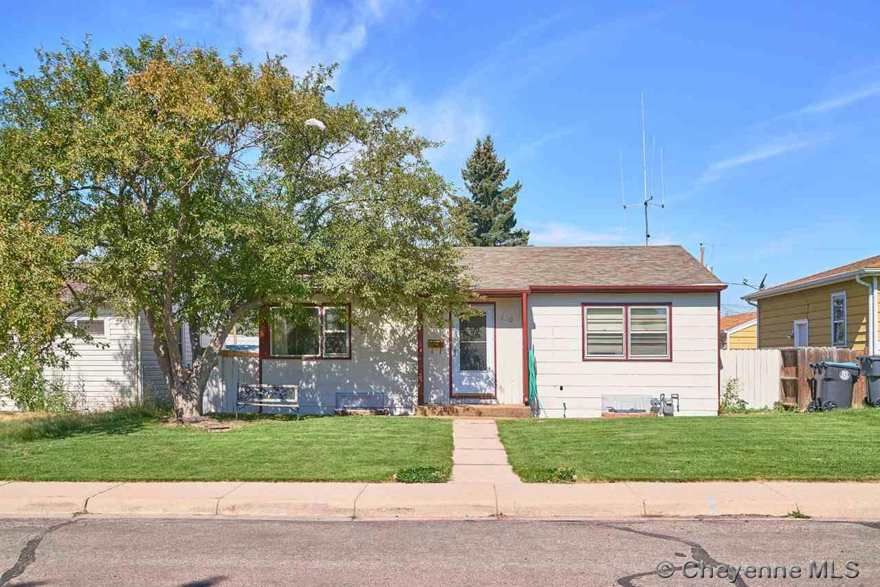 Single Family Home for Sale at 1510 Crook Ave Cheyenne, Wyoming United States