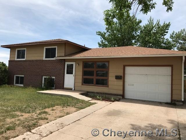 Single Family Home for Sale at 606 Cleveland Ave Cheyenne, Wyoming United States