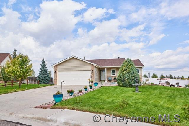 Single Family Home for Sale at 2818 Thomas Rd Cheyenne, Wyoming United States