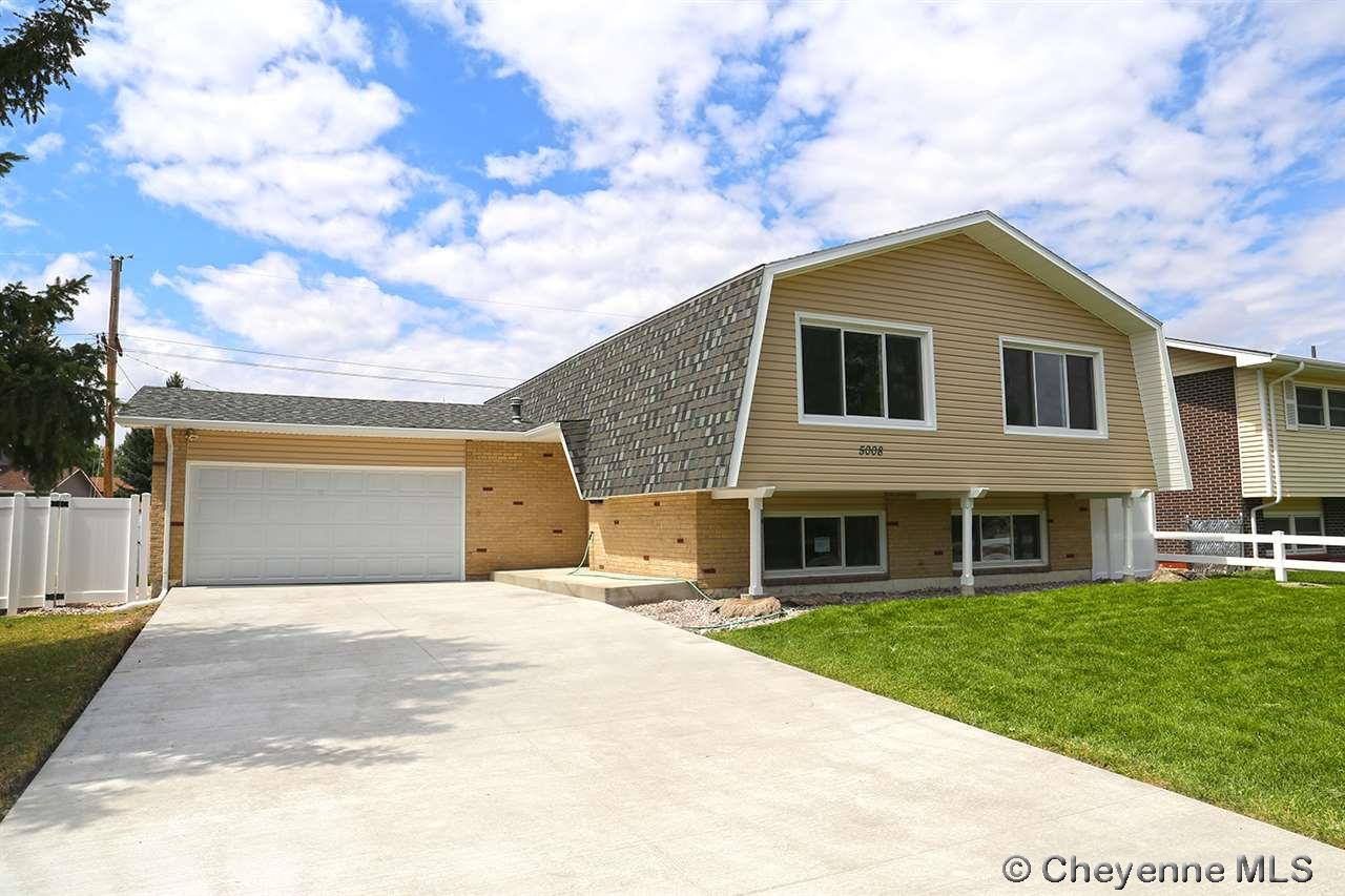 Single Family Home for Sale at 5008 Pineridge Ave Cheyenne, Wyoming United States