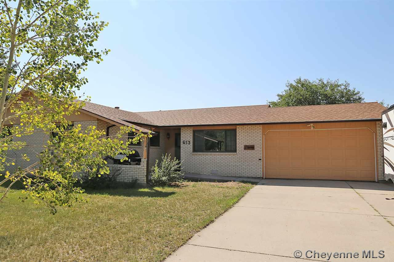 Single Family Home for Sale at 613 E Ole Maverick Rd Cheyenne, Wyoming United States