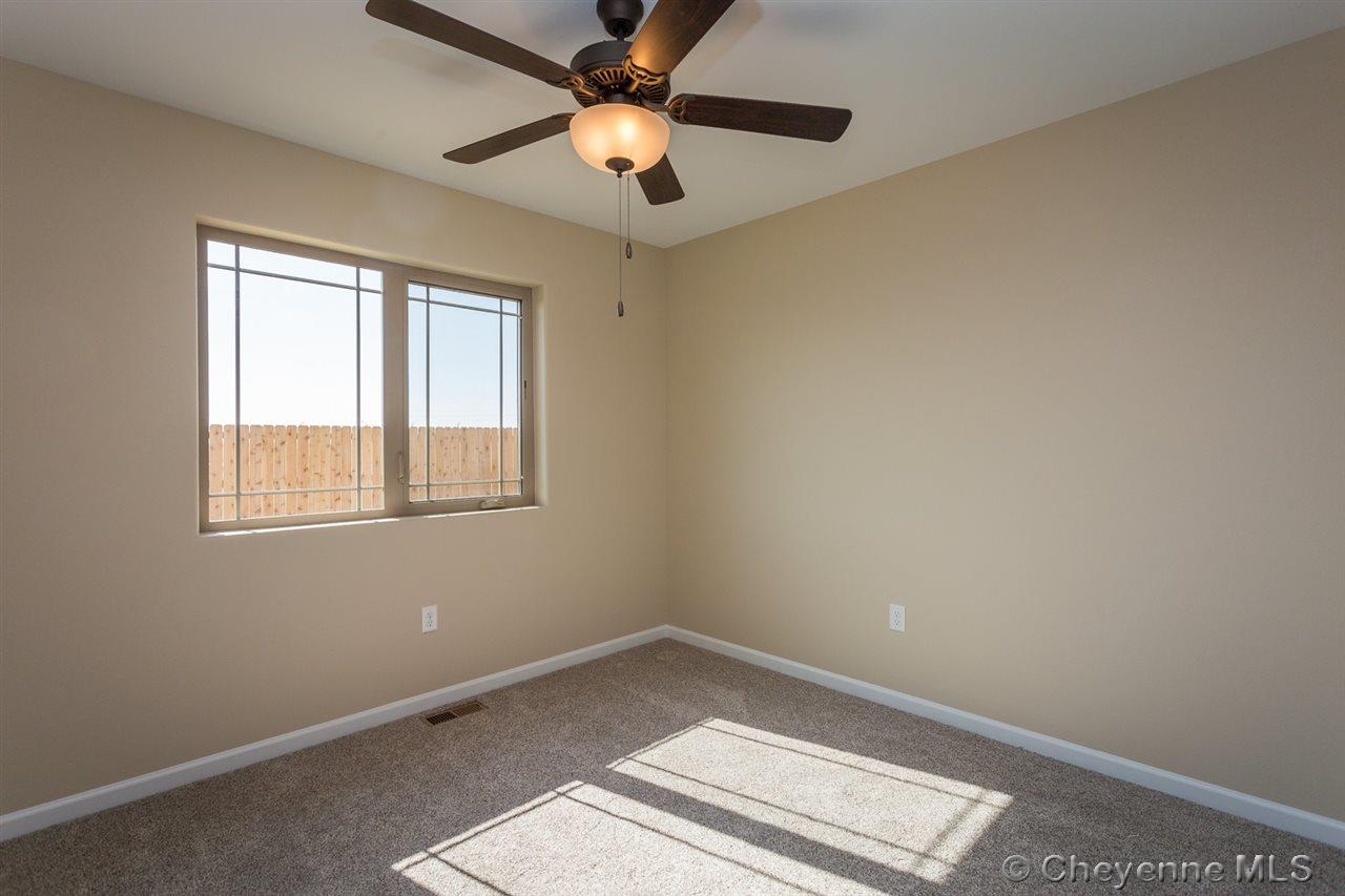 Additional photo for property listing at 1124 Verlan Way Cheyenne, Wyoming United States