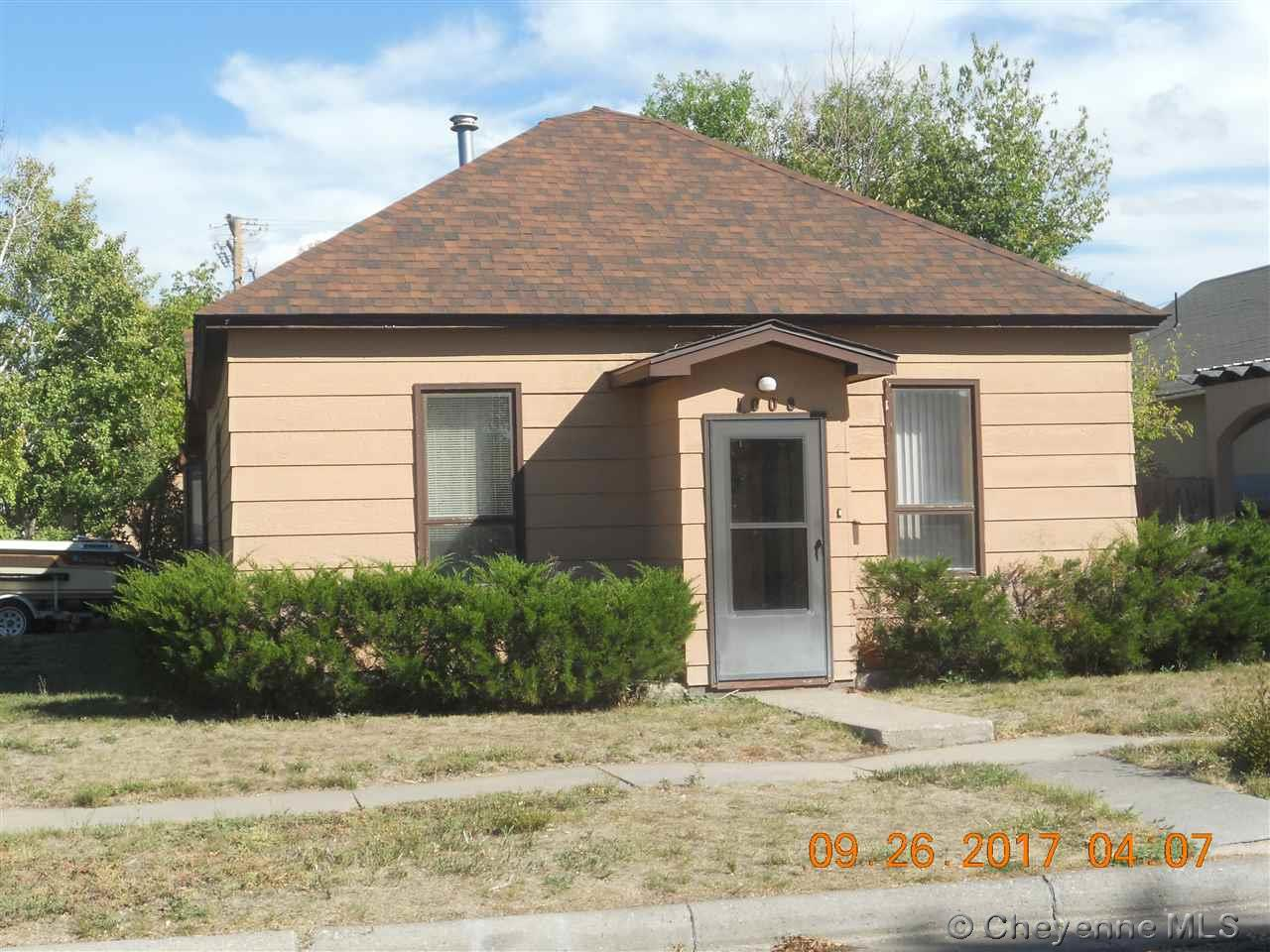 Single Family Home for Sale at 1008 13th St Wheatland, Wyoming United States