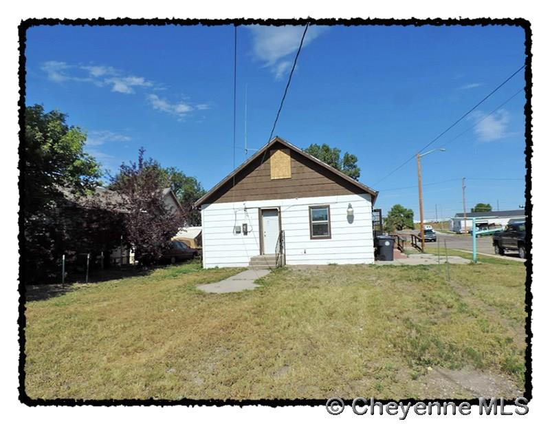 Single Family Home for Sale at 703 W 10th St Cheyenne, Wyoming United States