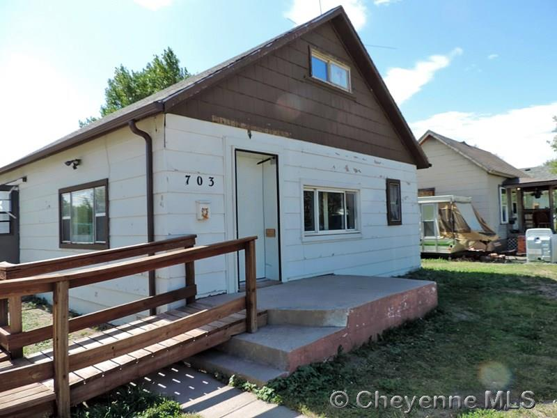 Additional photo for property listing at 703 W 10th St Cheyenne, Wyoming United States