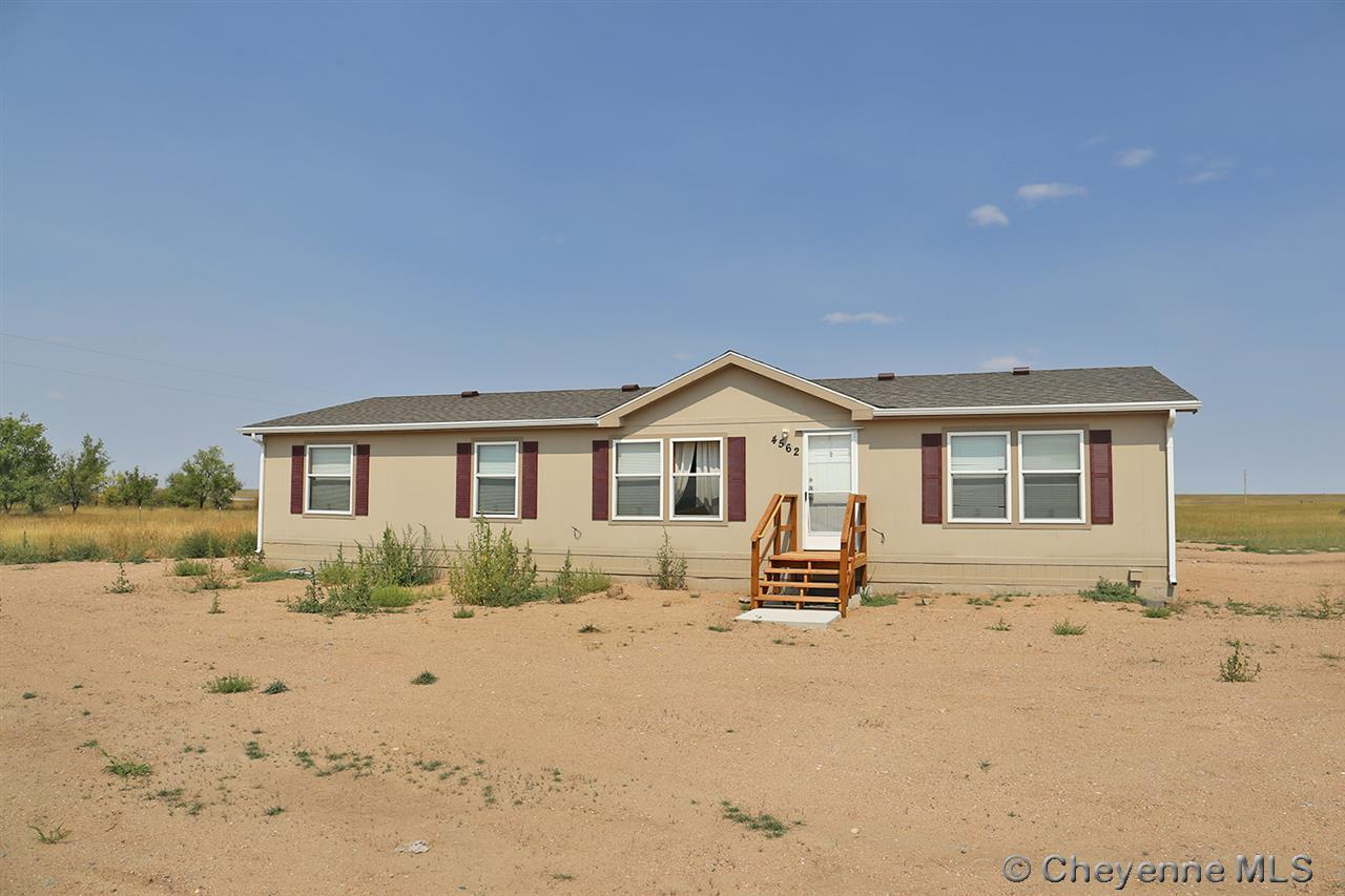Single Family Home for Sale at 4652 Lawrence Rd Burns, Wyoming United States