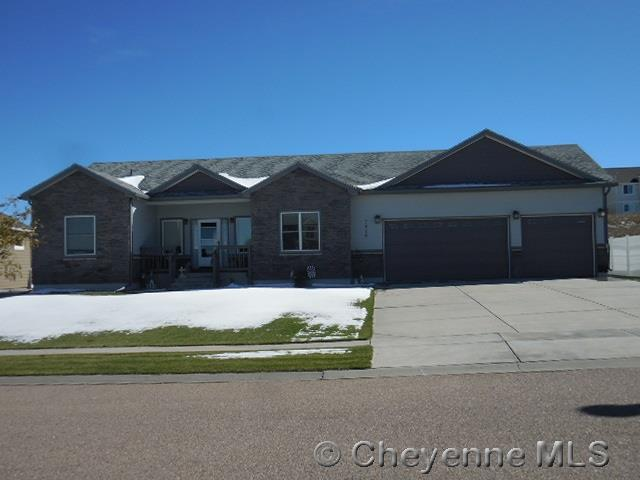 Single Family Home for Sale at 7605 Legacy Parkway Cheyenne, Wyoming United States