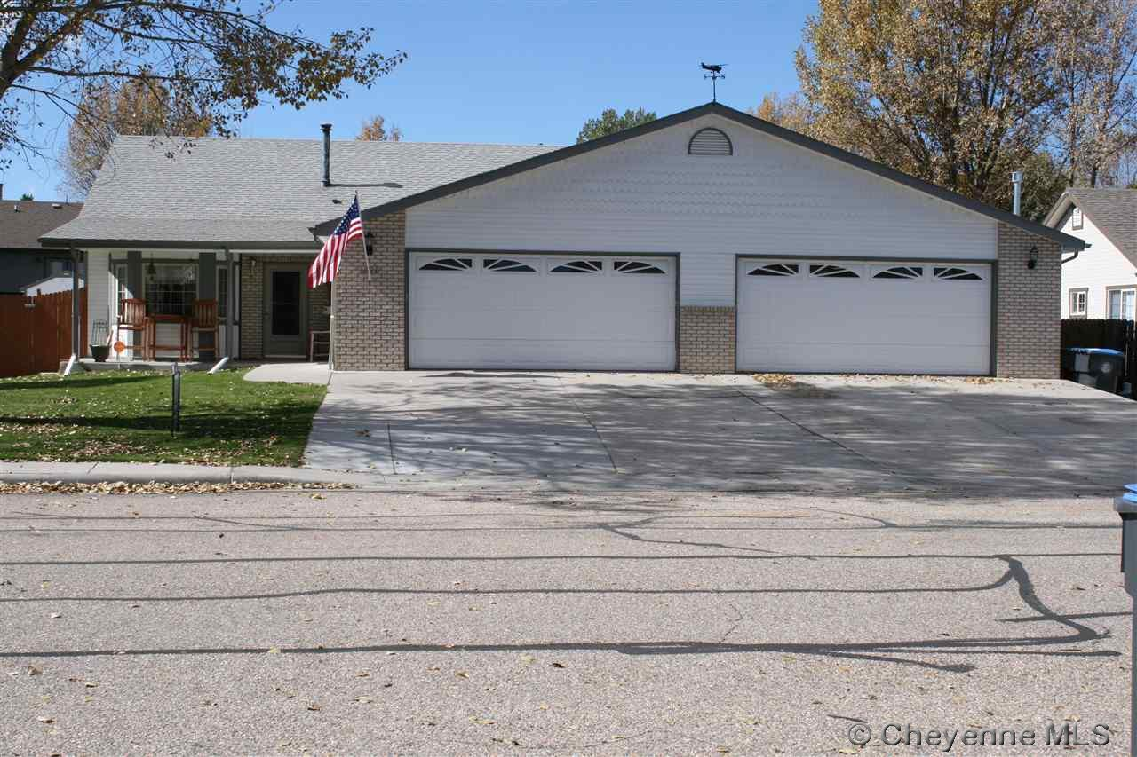 Single Family Home for Sale at 1020 Colonial Dr Cheyenne, Wyoming United States