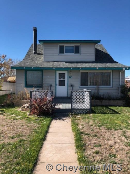 Single Family Home for Sale at 310 Market St Pine Bluffs, Wyoming United States