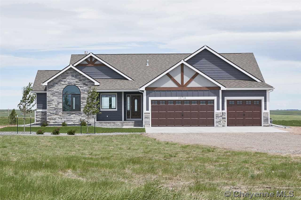 Single Family Home for Sale at 8514 Granada Trl Cheyenne, Wyoming United States