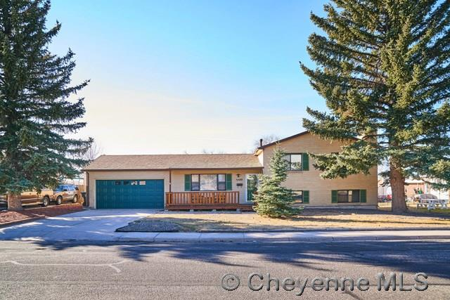 Single Family Home for Sale at 5500 Hilltop Ave Cheyenne, Wyoming United States