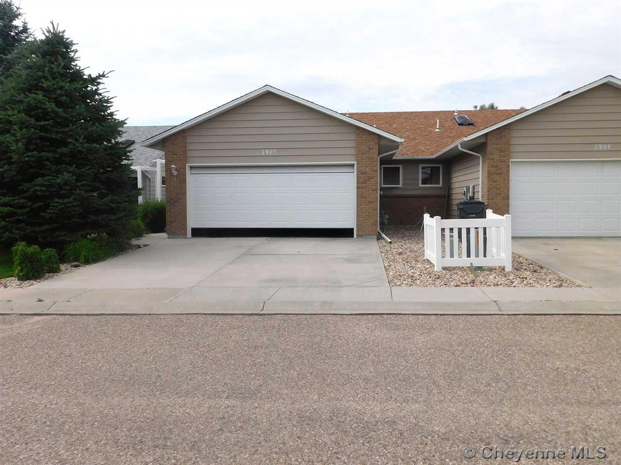 Single Family Home for Sale at 3905 Village View Ln Cheyenne, Wyoming United States