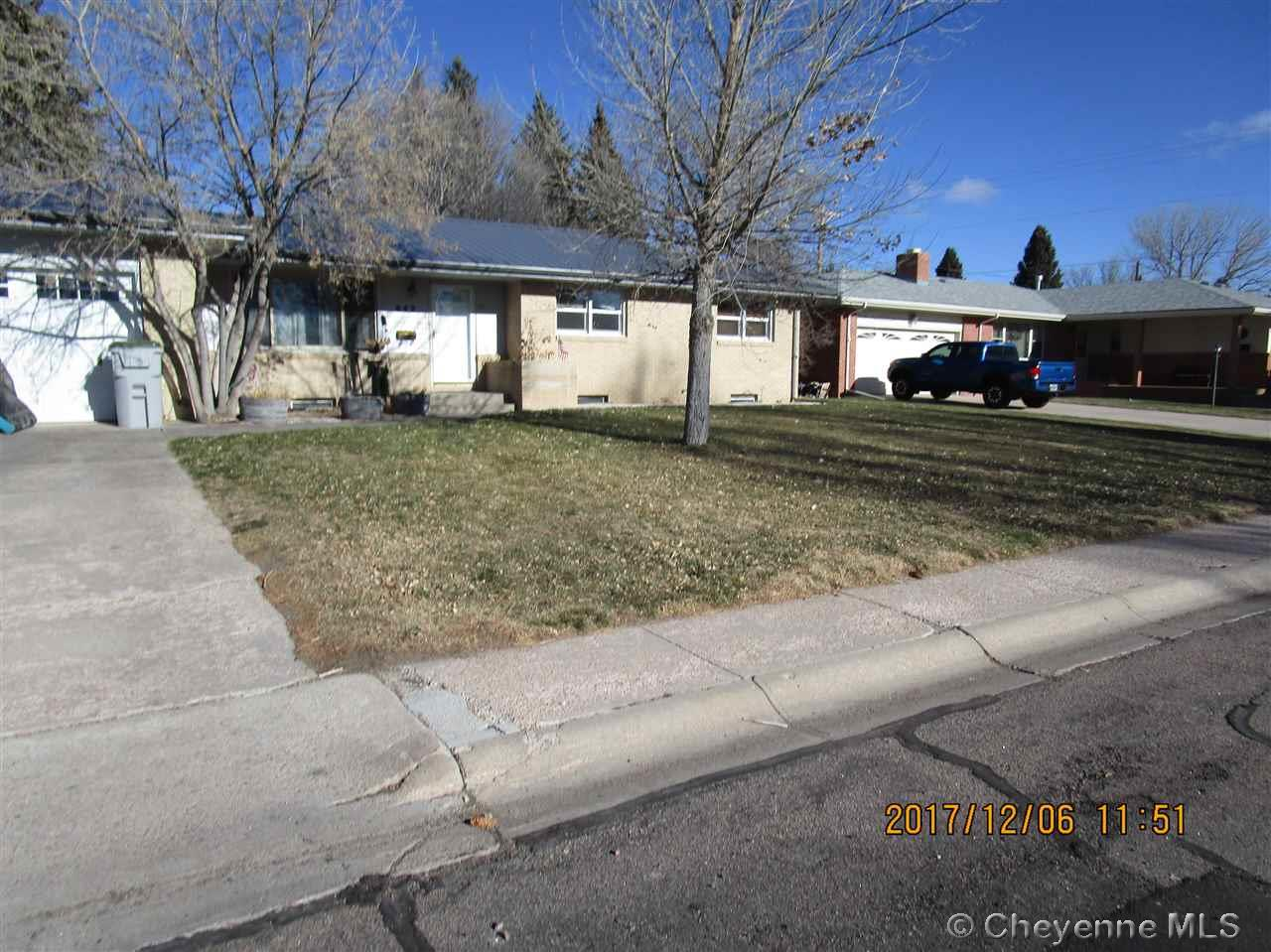 Single Family Home for Sale at 842 Apache St Cheyenne, Wyoming United States