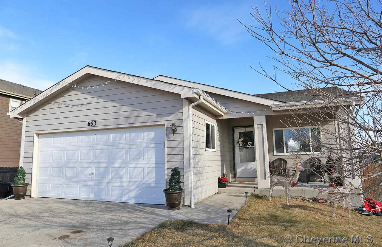 Single Family Home for Sale at 653 Snake River Ave Cheyenne, Wyoming United States