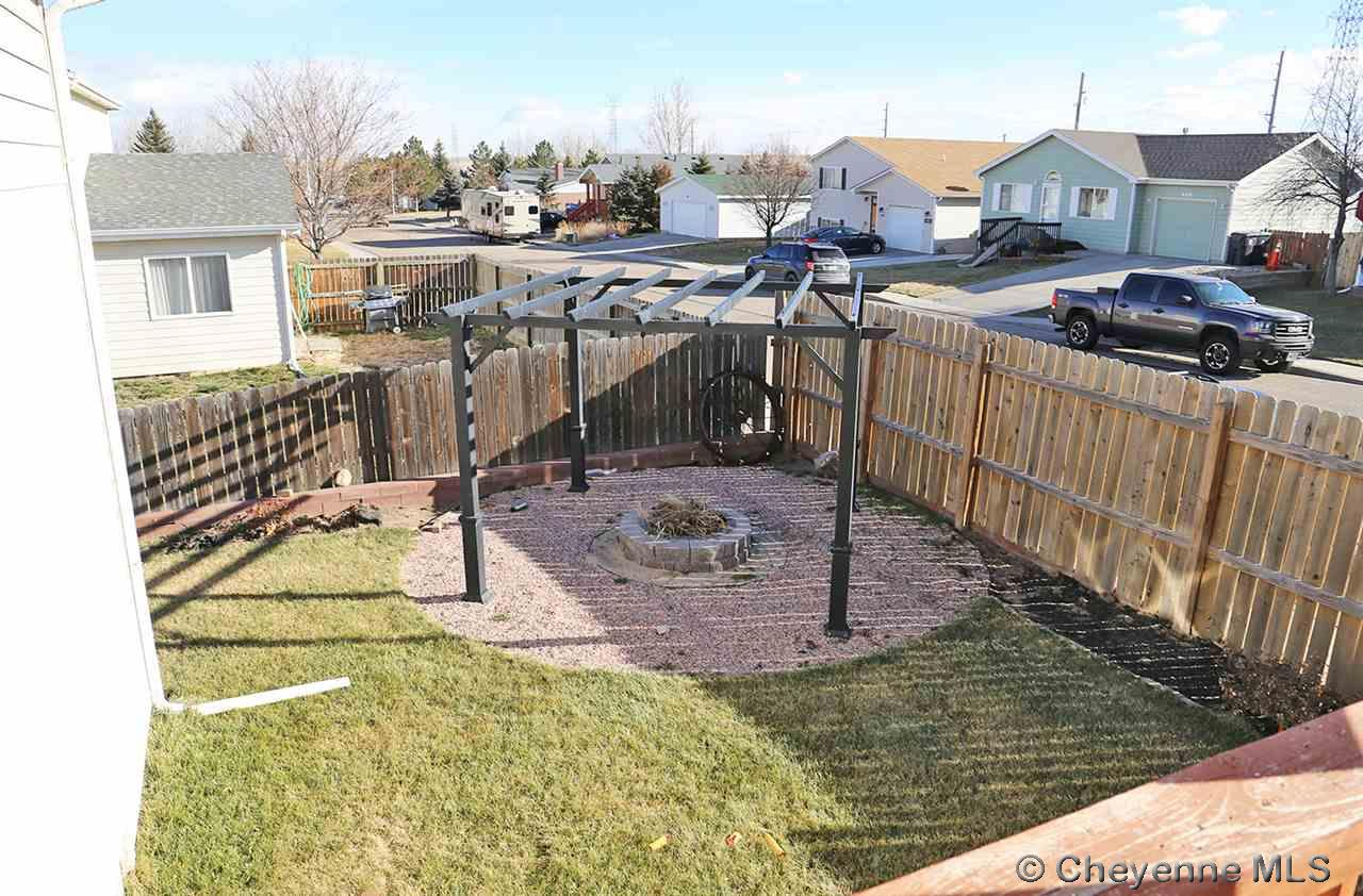 Additional photo for property listing at 653 Snake River Ave Cheyenne, Wyoming United States