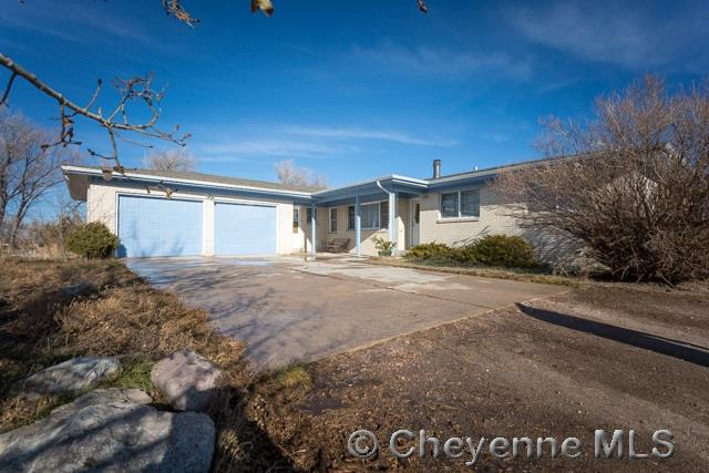 Single Family Home for Sale at 115 E Wallick Rd Cheyenne, Wyoming United States