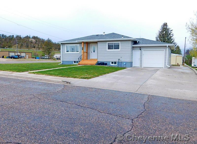 Single Family Home for Sale at 822 Maple Ave Pine Bluffs, Wyoming United States