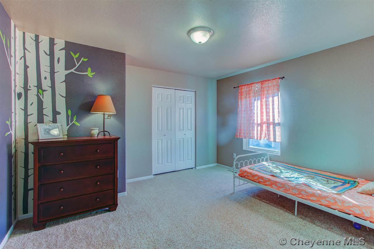 Additional photo for property listing at 4918 Ruby Dr Cheyenne, Wyoming United States