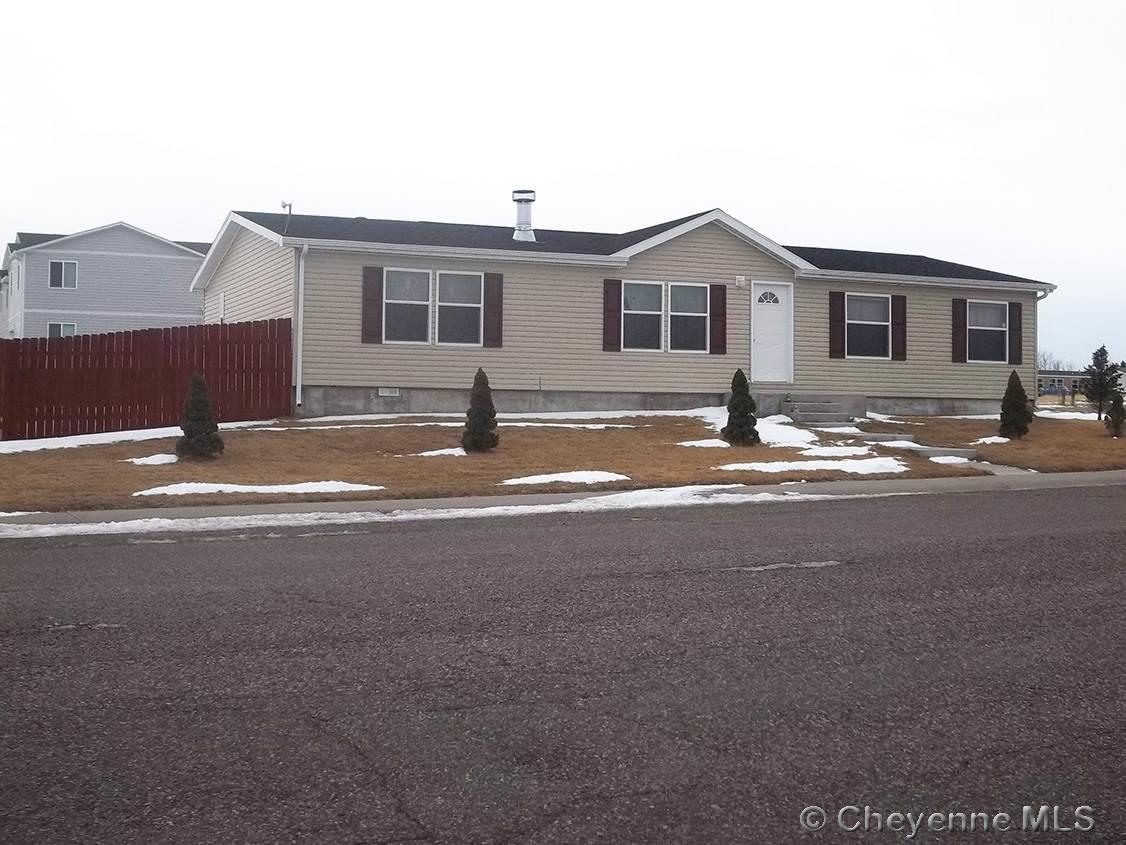 Single Family Home for Sale at 86 27th St Wheatland, Wyoming United States