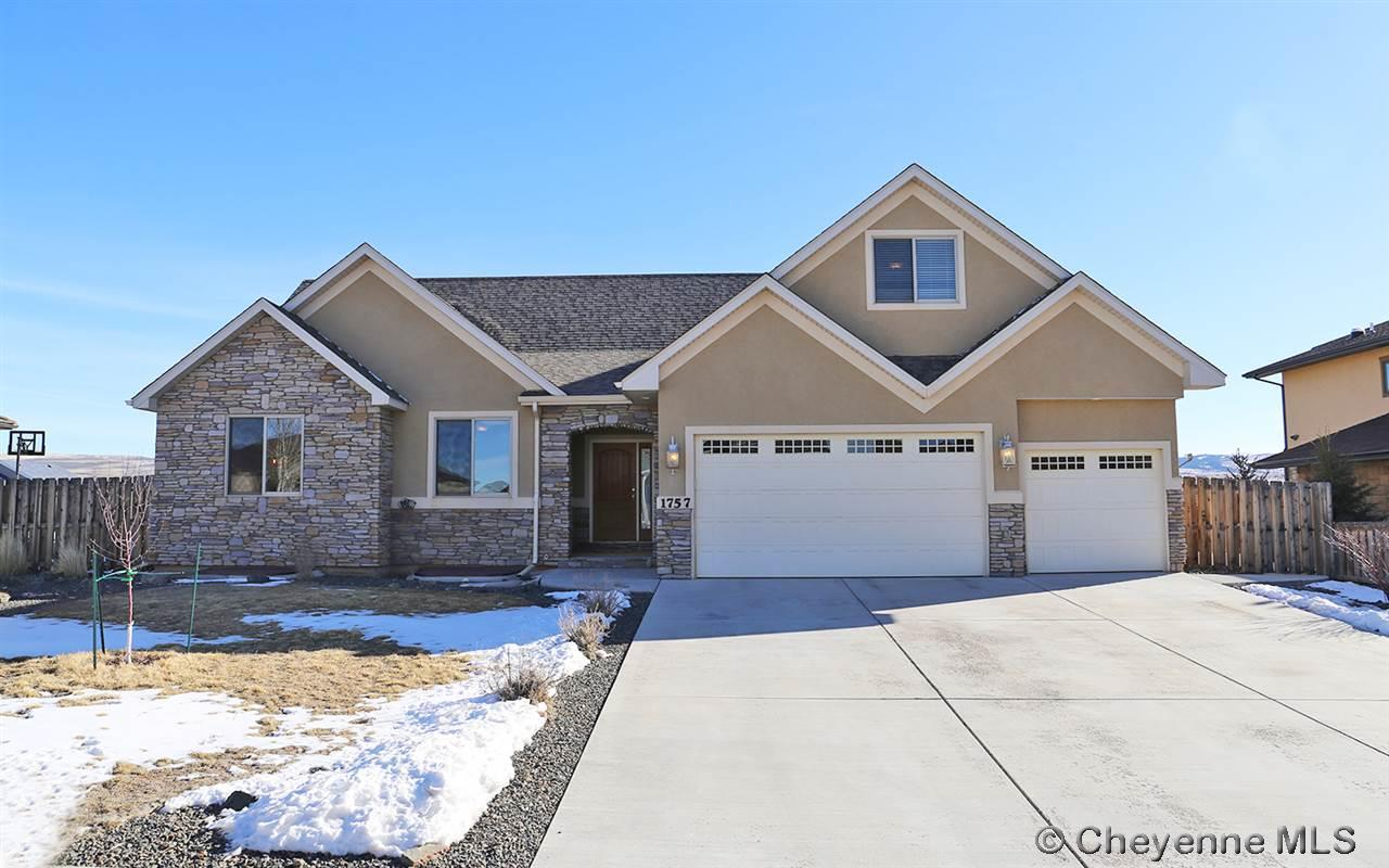 Single Family Home for Sale at 1757 Hayford Ave Laramie, Wyoming United States