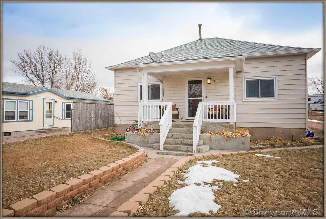 Single Family Home for Sale at 709 Main St Pine Bluffs, Wyoming United States