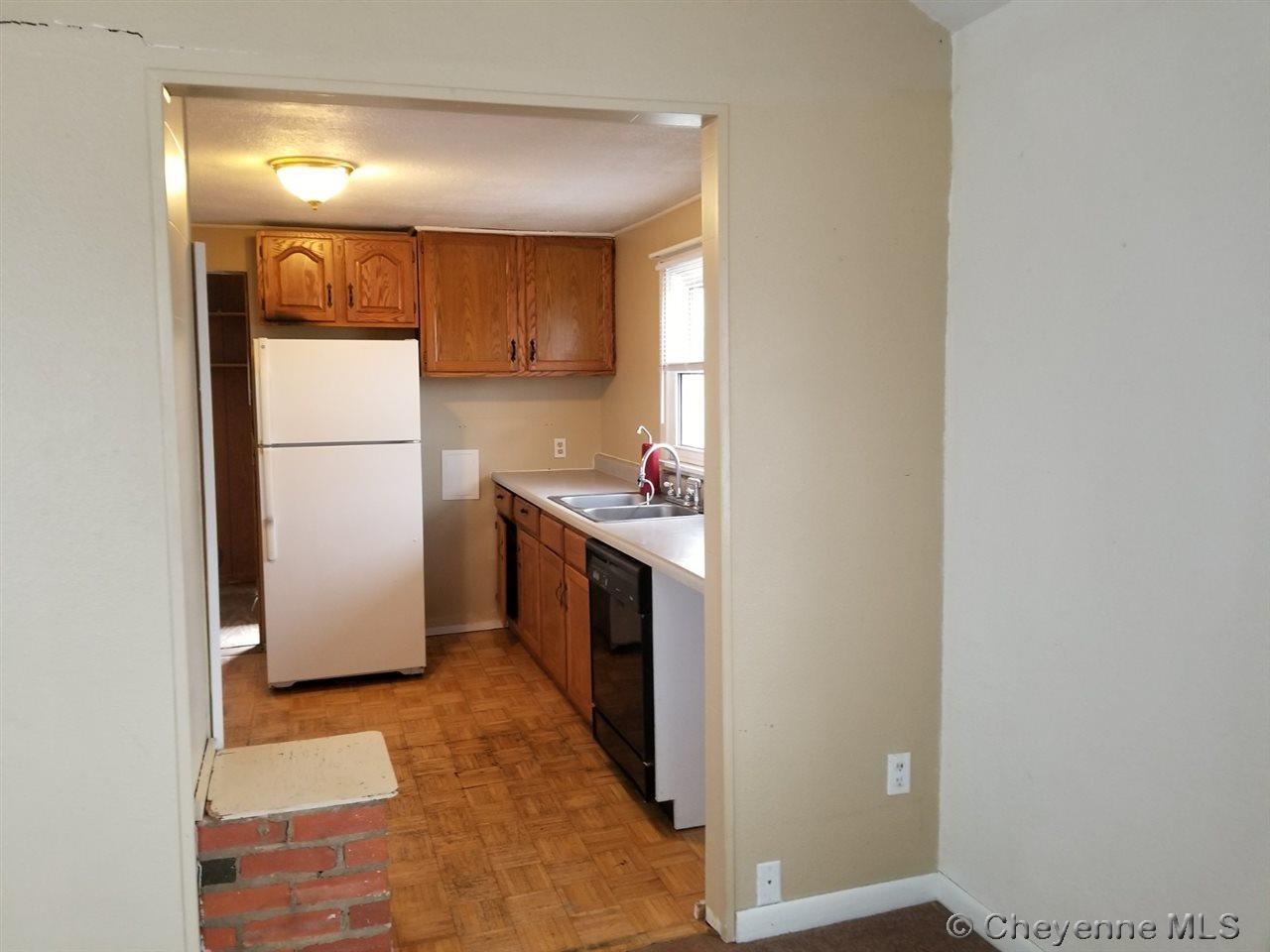 Additional photo for property listing at 2516 E 11th St Cheyenne, Wyoming United States