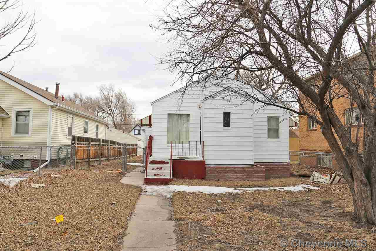 Single Family Home for Sale at 1109 E 25th St Cheyenne, Wyoming United States