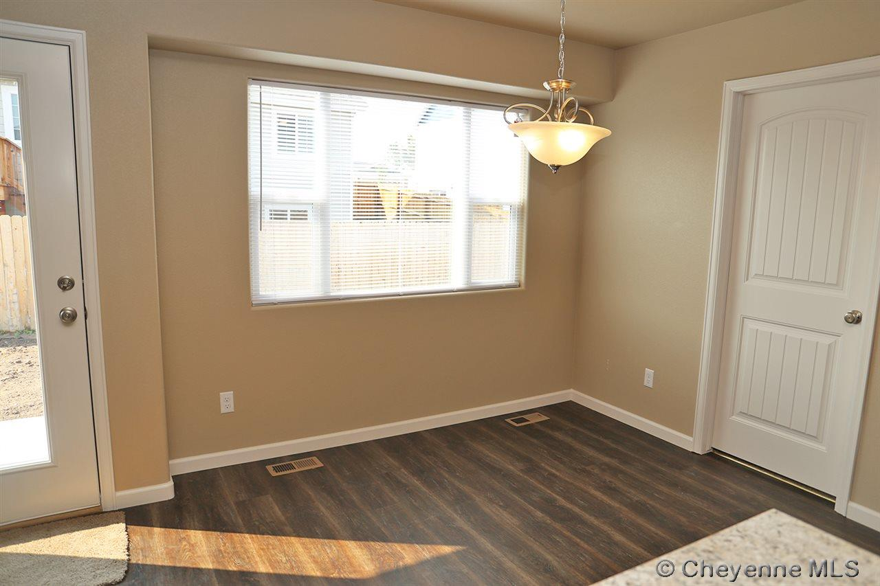 Additional photo for property listing at 610 Pearl Ct Cheyenne, Wyoming United States