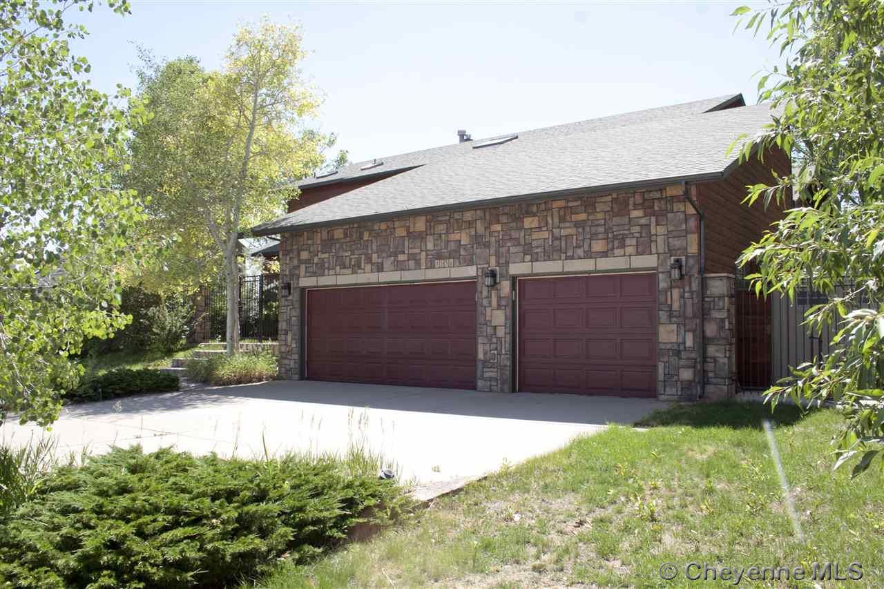Single Family Home for Sale at 1556 Apache Dr Laramie, Wyoming United States