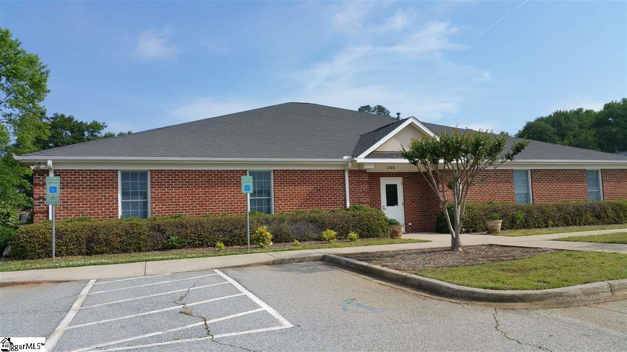 306 Bennett Center Drive, Greer, SC 29650