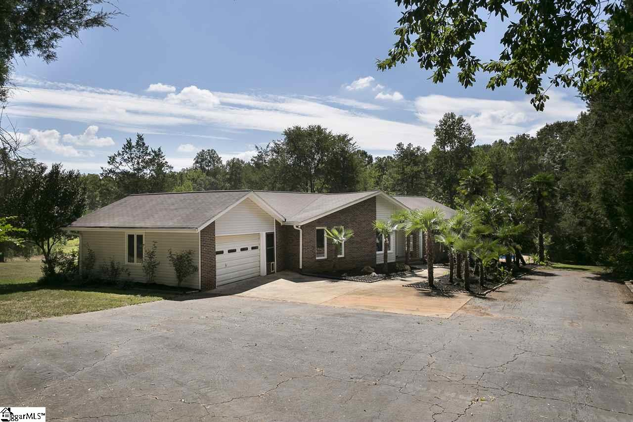 51 HOEDAD Drive, Fountain Inn, SC 29644