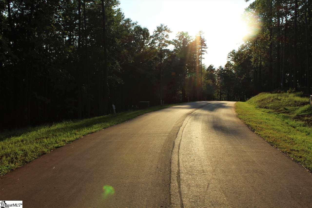 22 Retreat Pointe Road, West Union, SC 29626