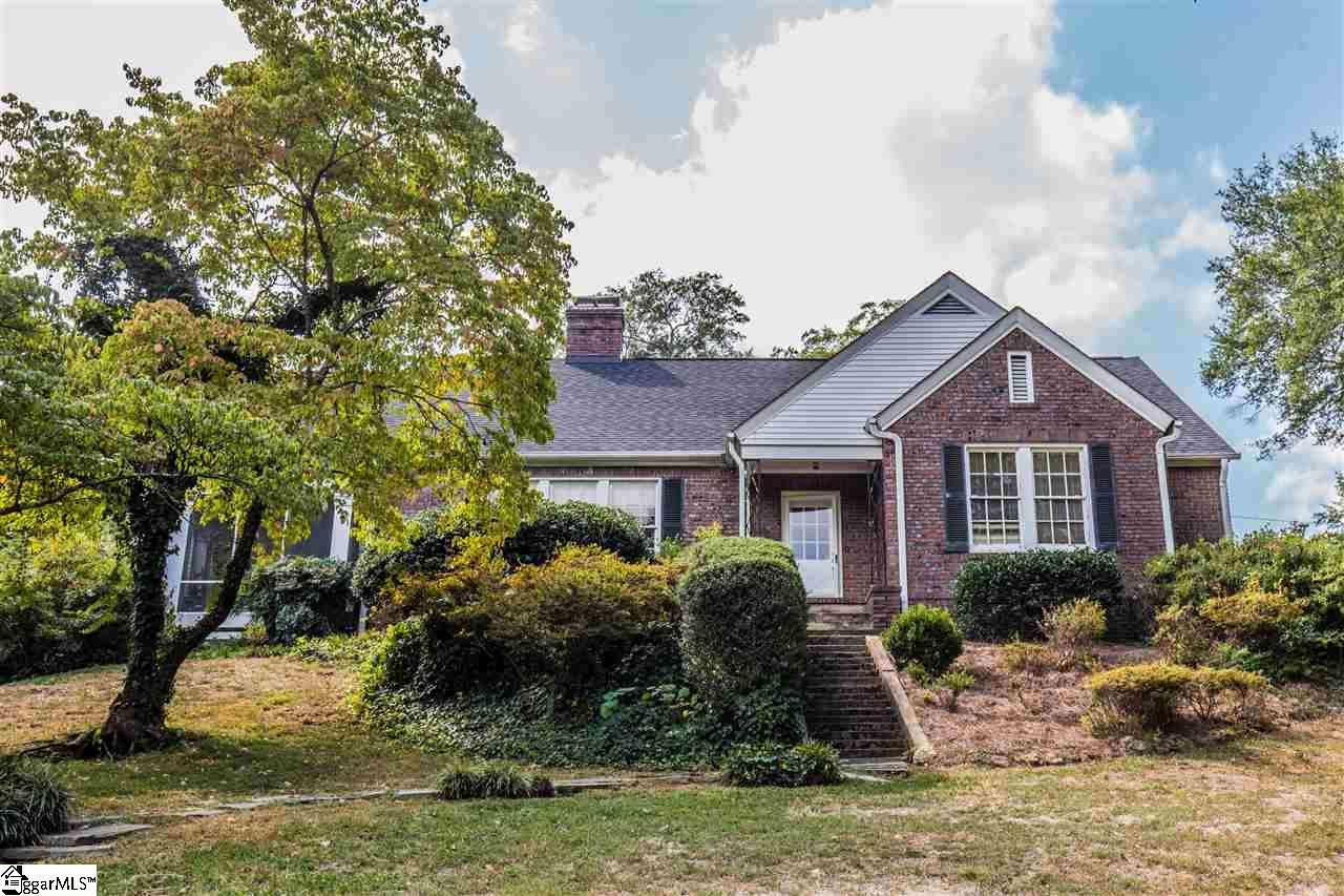 32 Country Club Drive, Greenville, SC 29605