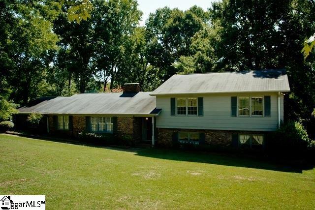 266 Lake Forest Drive, Spartanburg, SC 29307
