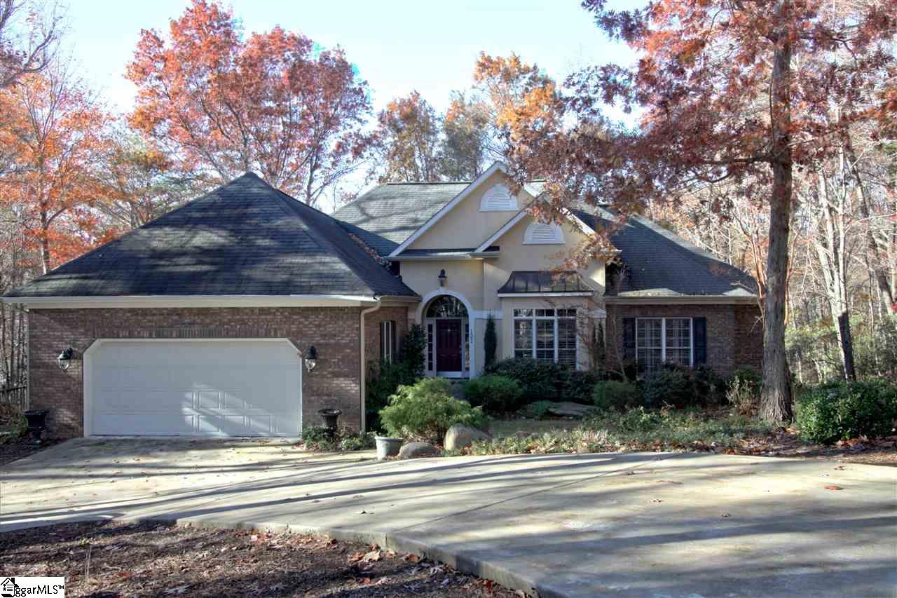121 White Oak Mountain Road, Columbus, NC 28782