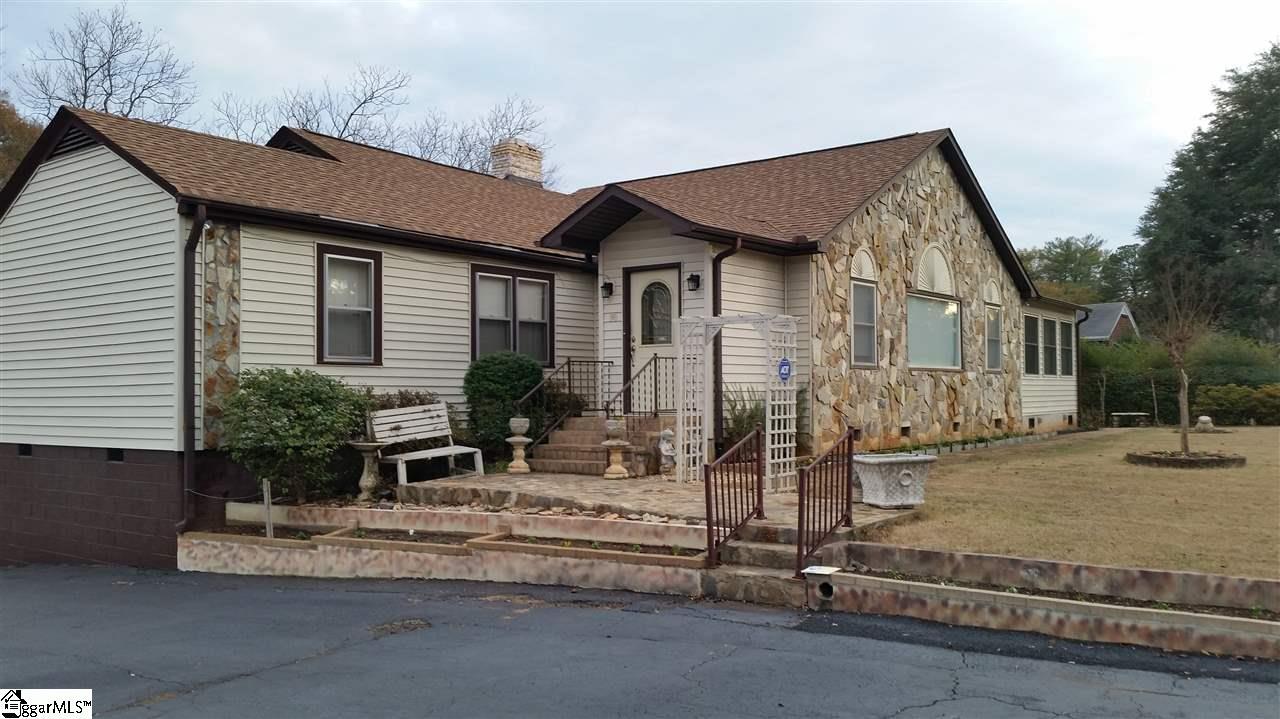 2010 E North, Greenville, SC 29607