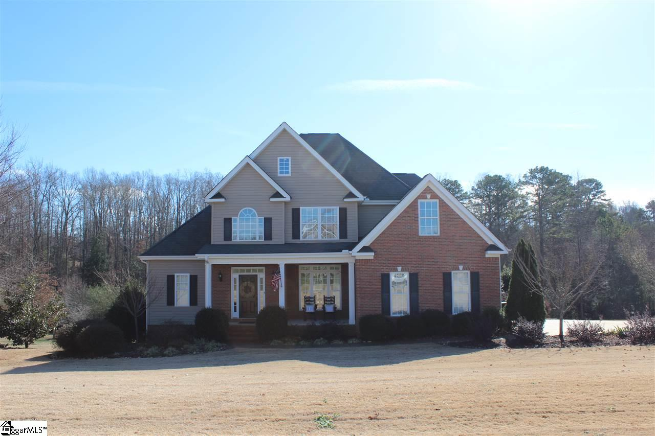 615 DILLS FARM Way, Greer, SC 29651