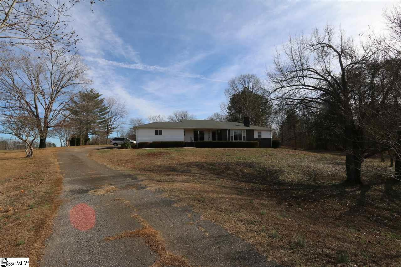 40 Old Wagon Road, Greer, SC 29651