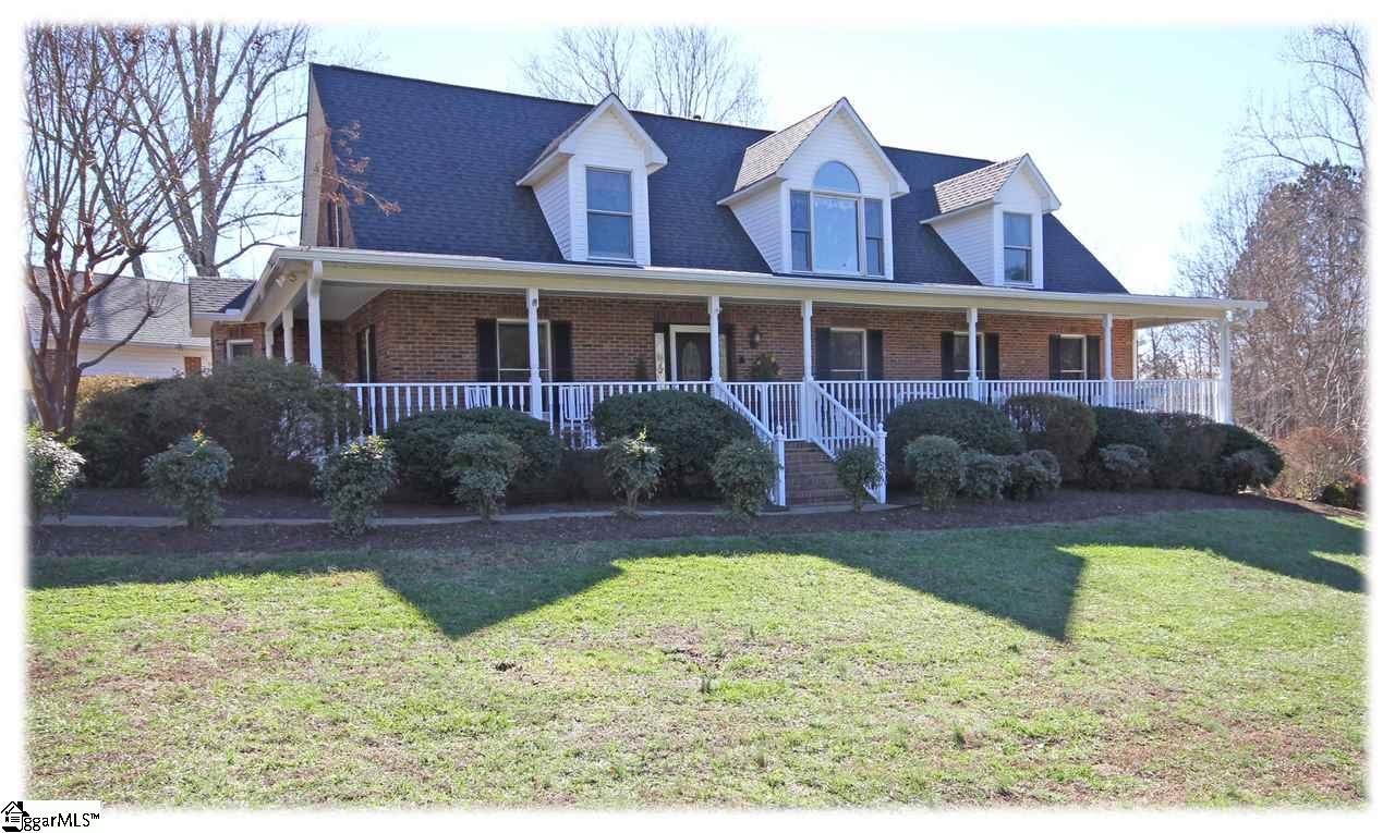 47 ROBERTSON Road, Travelers Rest, SC 29690