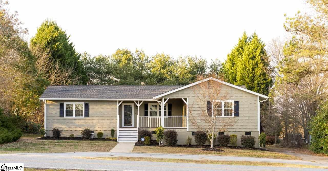 1121 Fosters Grove Road, Boiling Springs, SC 29323