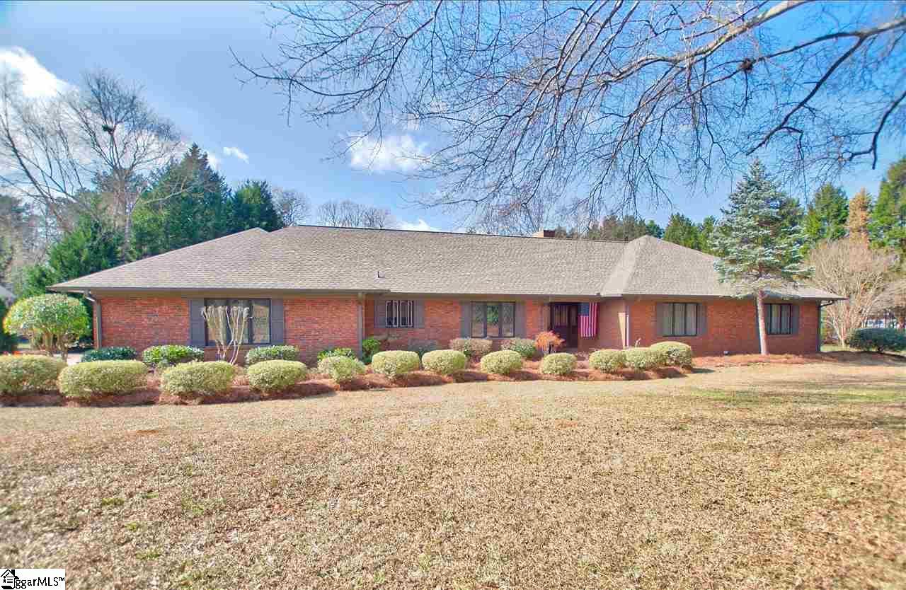 102 Thornhill Drive, Spartanburg, SC 29301