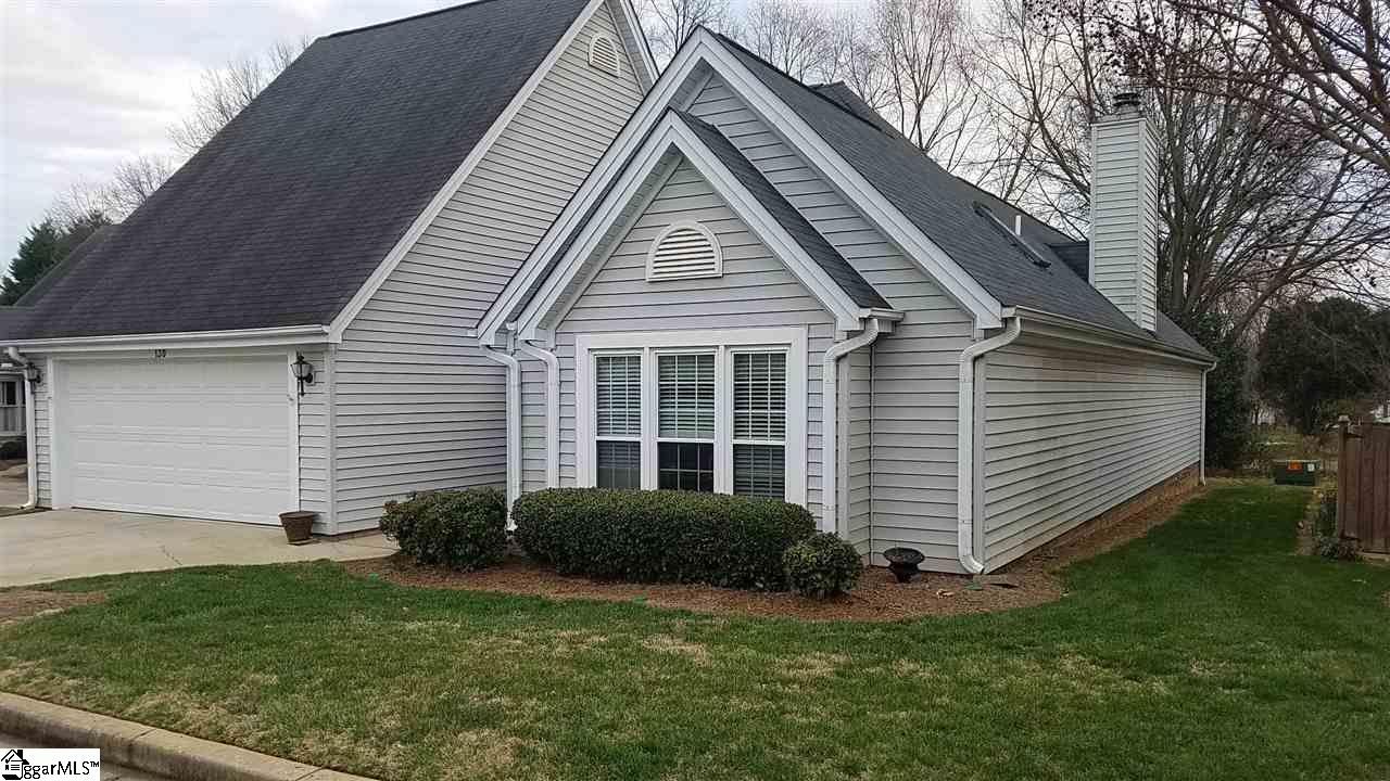 130 Forest Lake Drive, Simpsonville, SC 29681