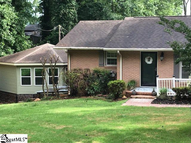 1010 Lakeside Drive,Anderson,South Carolina 29621,3 Bedrooms Bedrooms,3 BathroomsBathrooms,Single Family (Detached),Lakeside,1337658