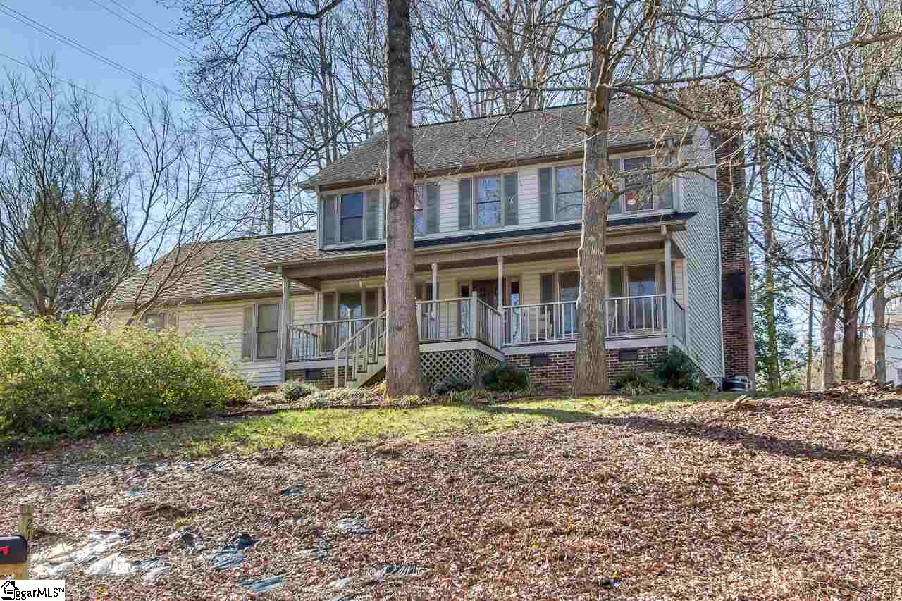 211 Hunters Woods Drive, Simpsonville, SC 29680