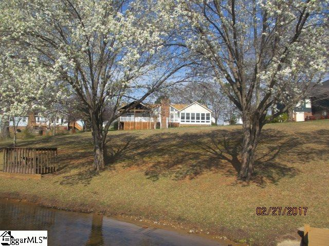 186 Canady Road, Wellford, SC 29385