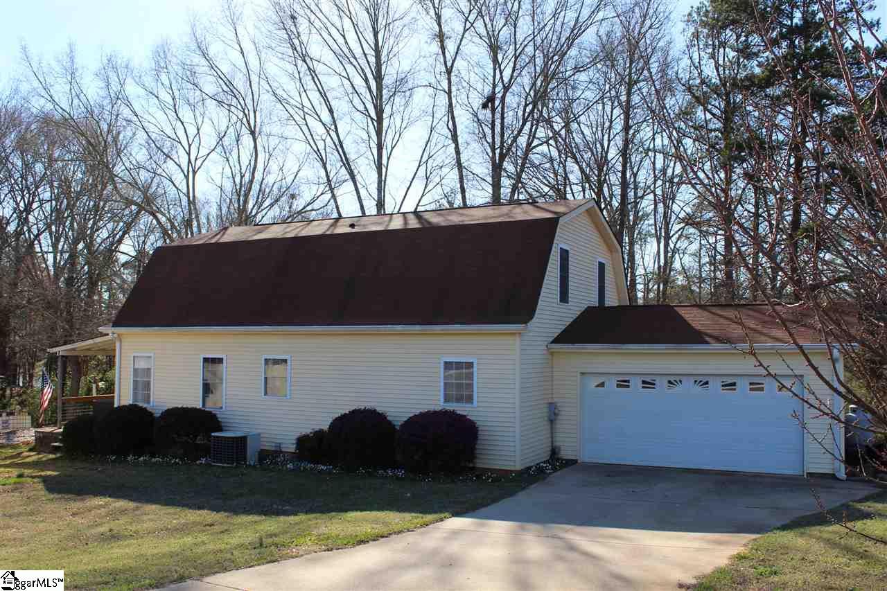 107 Cedar Lane, Townville, SC 29689
