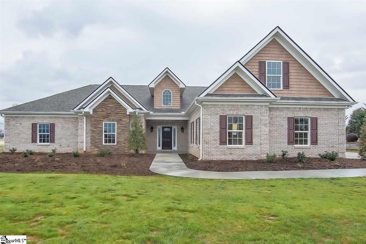 119 Gleneagles Road, Campobello, SC 29622